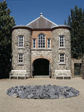 Richard Long, Kilkenny Limestone Circle, 1991, Limestone, 400 cm diameter, Collection Irish Museum of Modern Art, Purchase, 1991