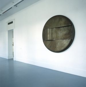 Grenville Davey, Fat Edge, 1989, rusted steel, 183 x 31.5 cm (diameter), Collection Irish Museum of Modern Art