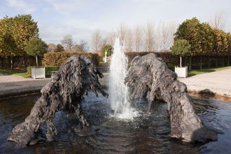 Lynda Benglis, North South East West, 2009, Cast bronze fountain and steel, Installation view Irish Museum of Modern Art. Courtesy the artist and Cheim & Read, New York. Photo: Denis Mortell